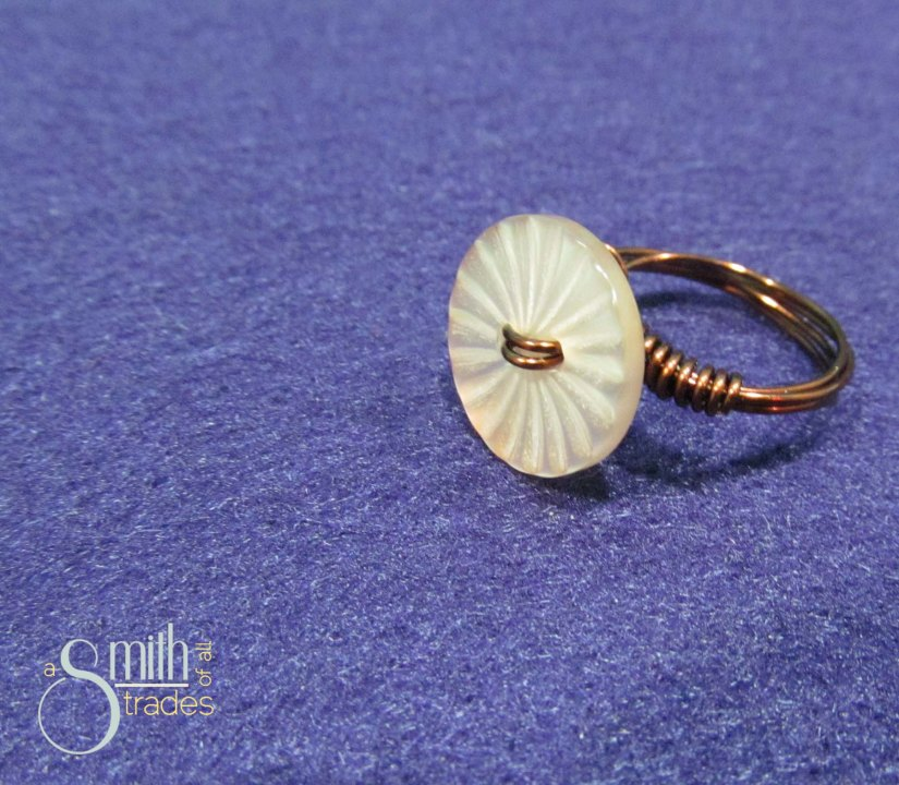 Button Ring8