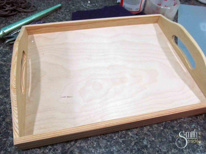 Plain tray