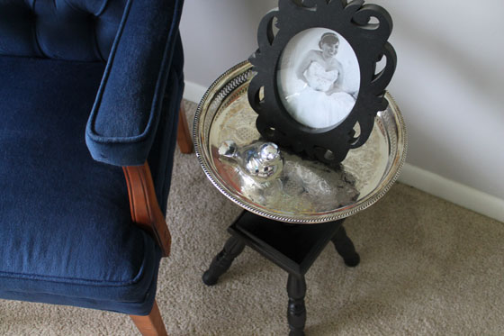 {A Smith of All Trades} Metalic Pedestal Side Table2