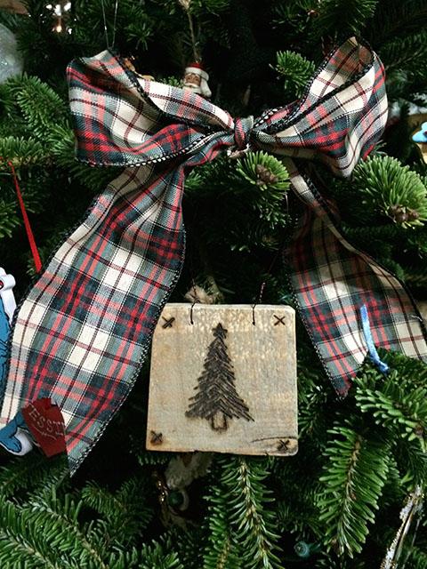 Tree_Ribbon_On Tree