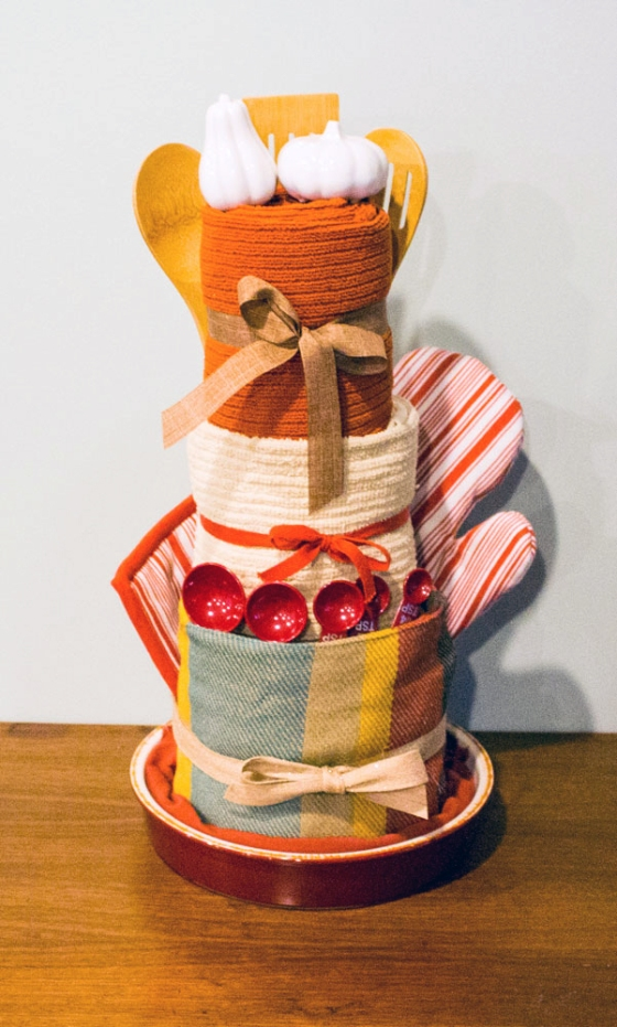 Kitchen-Towel-Cake_final